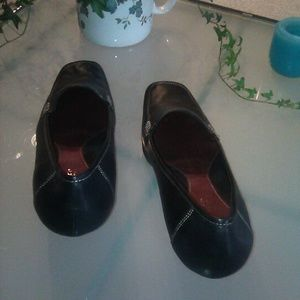 AEROSOLES Shoes - AEROSOLES leather loafer style heels, size 9
